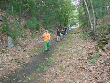 holliston-cub-scout-trail-clean-up